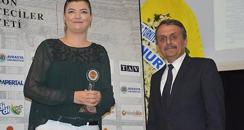 Trabzon'daki başarılı gazeteciler ödüllerini aldı