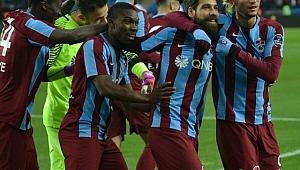 Trabzon kaleyi kapattı atmaya başladı
