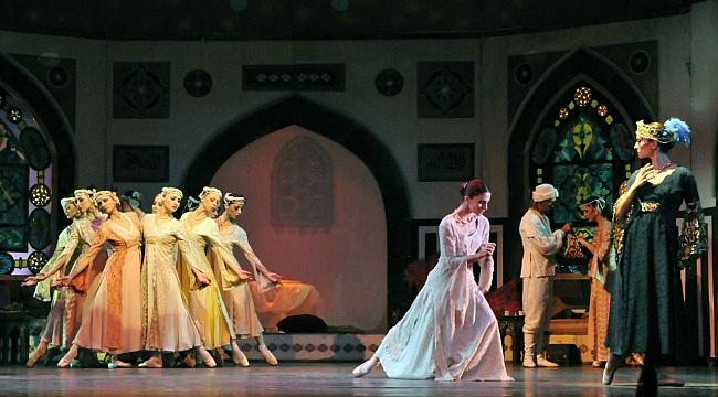 Trabzon'da opera ve bale şöleni