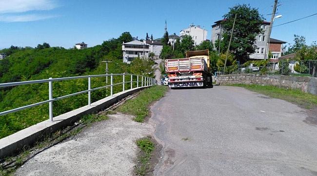 Trabzon'da yolu kapatıp haraç istiyorlar!