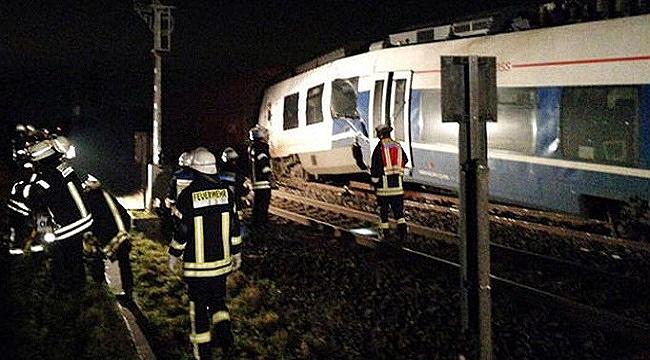 Son dakika! Yolcu treni yük treni ile çarpıştı