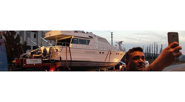 Trabzon'a karayolu ile gelen lüks yat bakın kimin çıktı