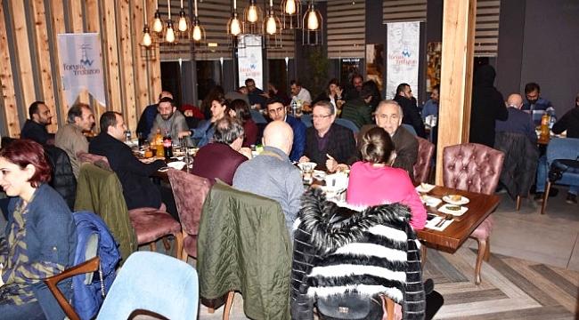 Trabzon Forum'dan gazetecilere anlamlı hediye