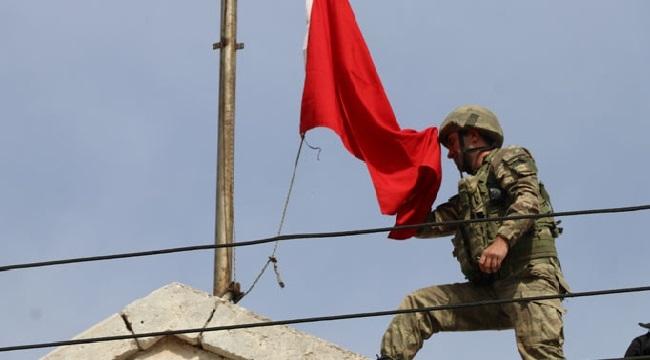 Afrin'de Türk Bayrağı