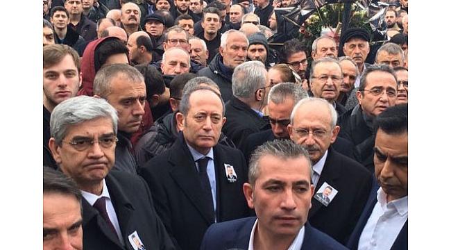 Trabzon Yavuz Karan'ı gözyaşlarıyla, mahşeri kalabalıkla uğurladı...