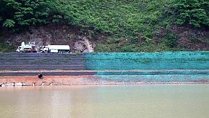 Beton Duvarı Yıkılan Sera Gölü Kıyısı Yeşilleniyor