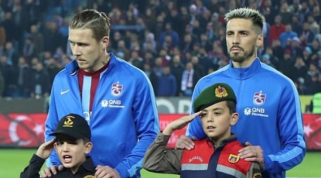 Sosa ve Juraj Kucka gönderiliyor