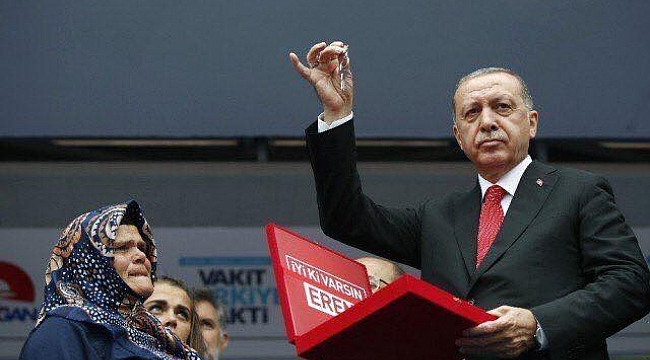 Tayyip Erdoğan'ın Trabzon mitingindeki o hareketine tepki yağdı