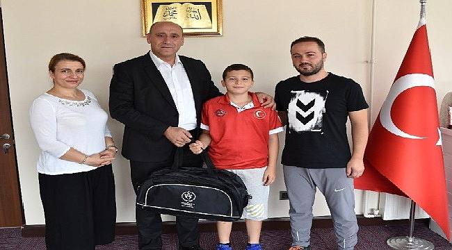 10 yaşındaki Mehmet Efe'nin gözü Türkiye ve Dünya Şampiyonlukları'nda
