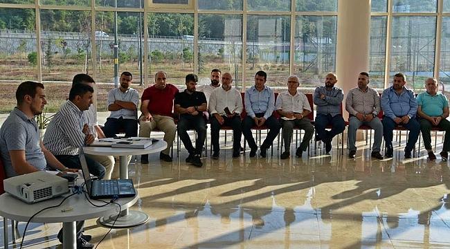 AKP'nin resmi kurumda toplantısı tartışılıyor