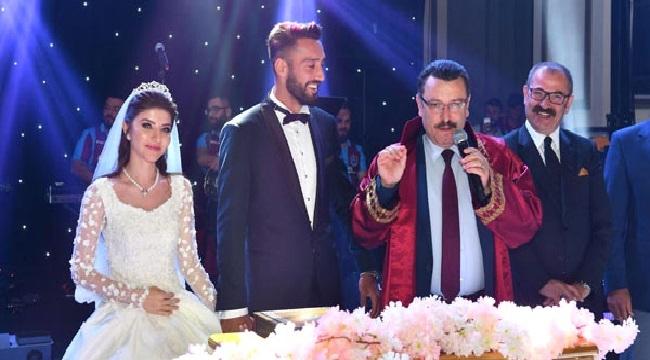 Trabzonspor'lu futbolcu Mustafa Akbaş evlendi