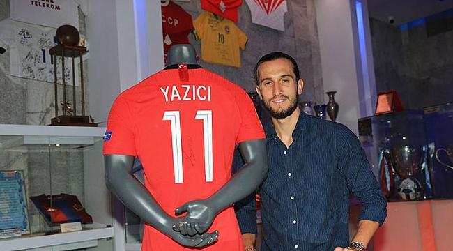 Yusuf formasını Trabzonspor'un müzesine hediye etti