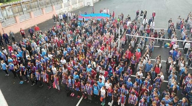 Maç günü Trabzonspor formasıyla okula gitiler