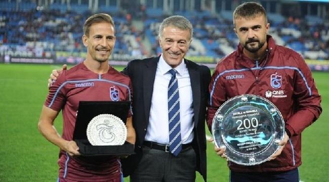 Trabzonspor'dan Onur Kıvrak ve Joao Pereria'ya plaket