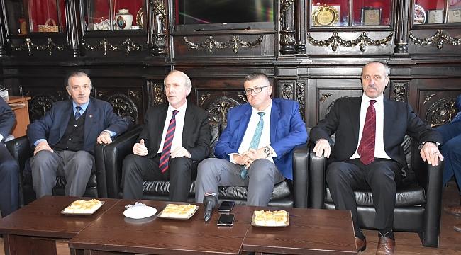 İYİ Parti Trabzon Büyükşehir adayı gazetecilerle buluştu