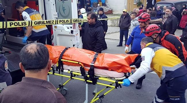 Ters yöne giren kamyon anne ile kızını öldürdü