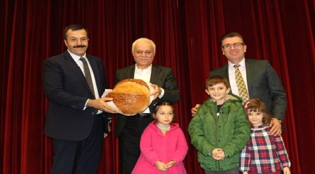 Vakfıkebir'de Nihat Hatipoğlu'na büyük ilgi