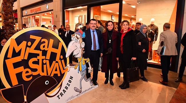 Ahmet Metin Genç  sanatın ve sanatçının yanında