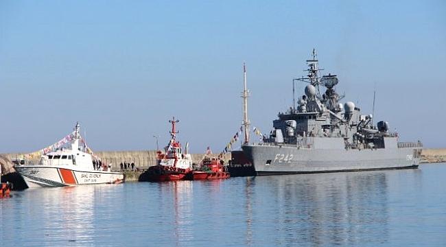 Deniz Üssünün İlk Askeri Gemisi Demirledi