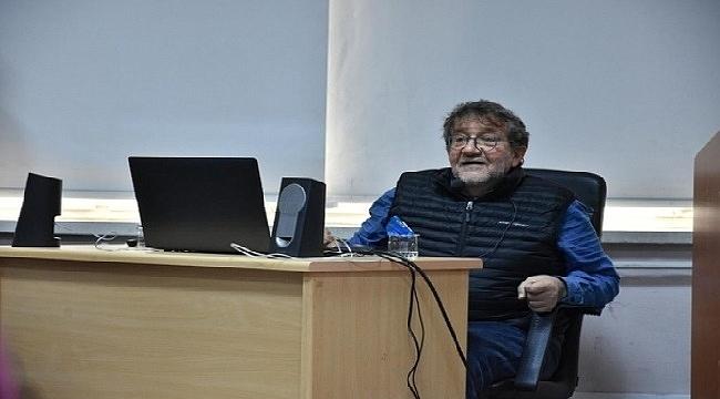 Usta gazeteci Coşkun Aral Trabzon'da İletişim Fakültesi öğrencileri ile buluştu