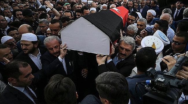 Mısıroğlu'nun tabutuna Türk bayrağı sarılmasına suç duyurusu