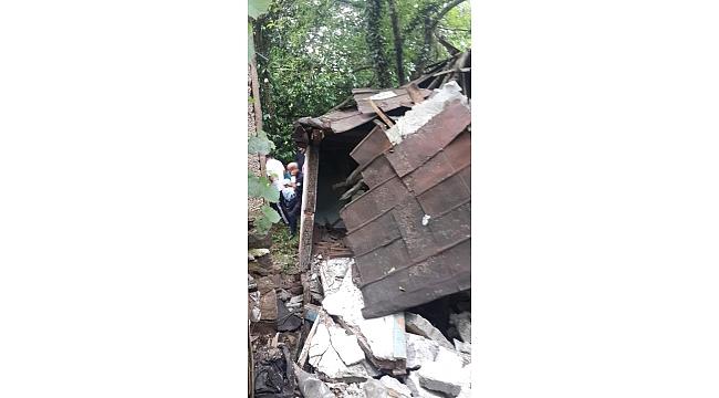 Akçaabat'ta çatısı çöken evde mucize kurtuluş