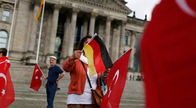 Almanya'ya kaçan Türkler rekor kırdı