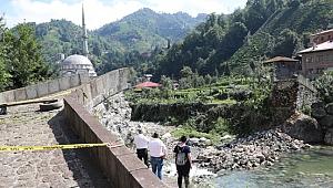 Tarihi köprü restore edilince çöktü
