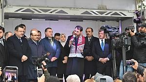 Bakan Albayrak'a Trabzon'da özel karşılama