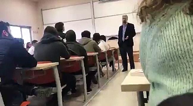 Depremi sapıklığın yasaklanmasına bağlayan hocaya protesto