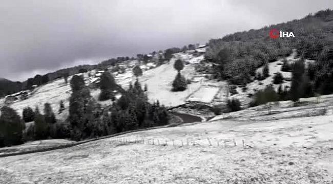 Trabzon'da 23 Mayıs sabahı kar sürprizi