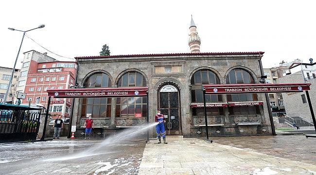 Trabzon'da camiler ibadete hazırlanıyor