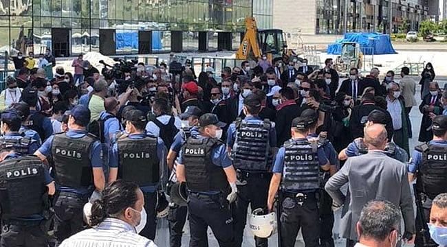 Ankara'nın kapısında polis engeli