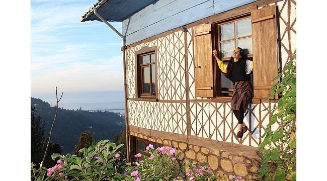 Her şeyi geride bırakıp Trabzon'da köye yerleşti...
