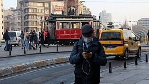 Türkiye'de koronavirüs nedeniyle 72 kişi öldü, 2319 yeni vaka