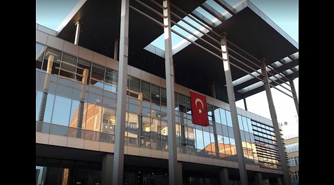 Trabzon Büyükşehir Belediyesi'nde bayrak değişimi