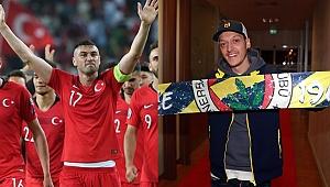 Burak Yılmaz, Mesut Özil'e gönderme yaptı