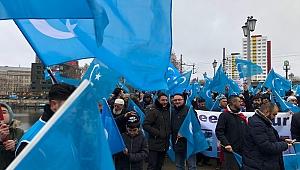 Davut Çakıroğlu'ndan Perinçek'e, Uygur Türkleri göndermesi