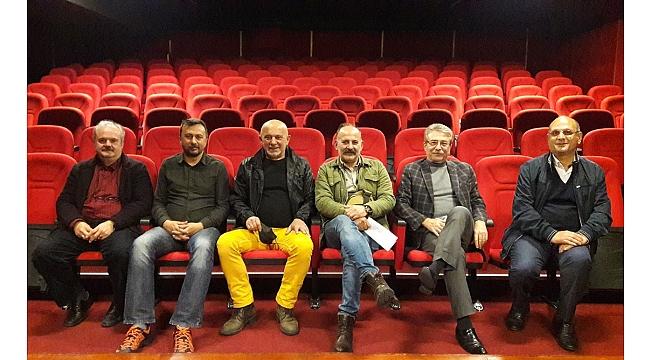 Dünya Tiyatro Günü'nde salonlar kapalı kaldı