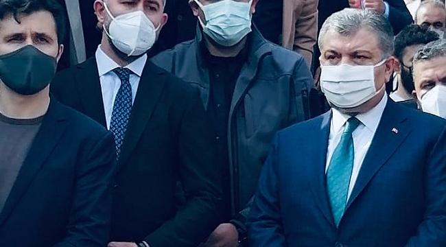 Sağlık Bakanı Koca, cenazeye gizlice katıldı mı?