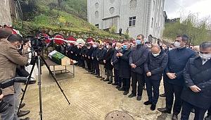 İmamoğlu, Trabzon'da kayınvalidesini son yolculuğuna uğurladı