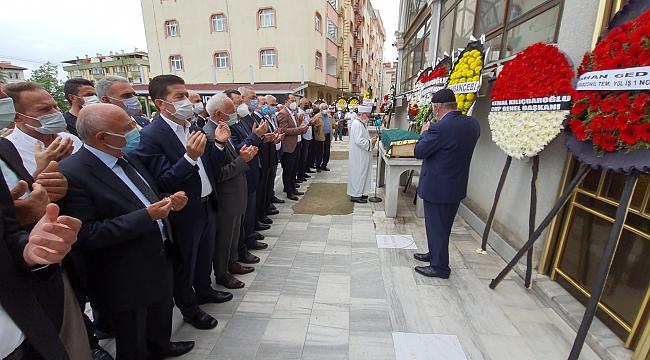 CHP İl Başkanı Ömer Hacısalihoğlu'nun babasına son görev