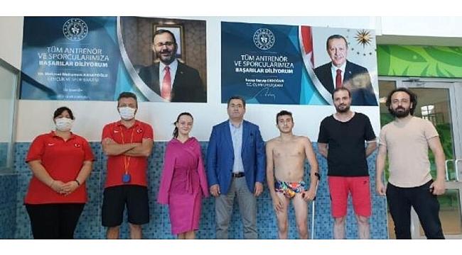 Paralimpik Milli Yüzücü Sümeyye, Trabzon'da kampta