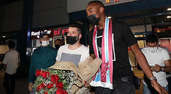 Trabzonspor'un yeni transferi Koita, Trabzon'a geldi