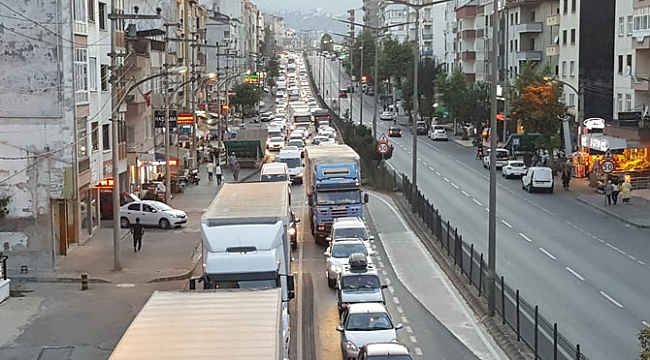 Akçaabat'taki kronik trafik sorununa pansuman çözüm!