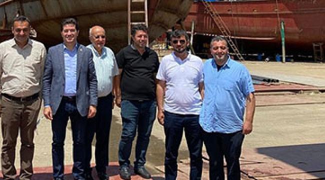 CHP Gemisi Trabzon'a Yanaştı, Balıkçıları Dinledi