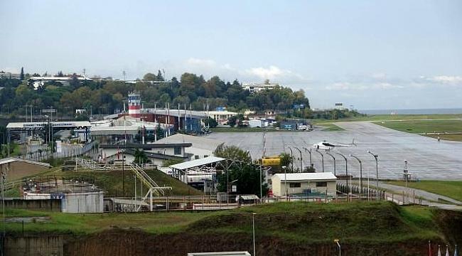 Trabzon Havalimanı pistindeki çatlama nedeniyle uçuş trafiğine kapatıldı