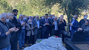 Ekrem İmamoğlu Maçka'da Özkan Sümer'in kabrini ziyaret etti