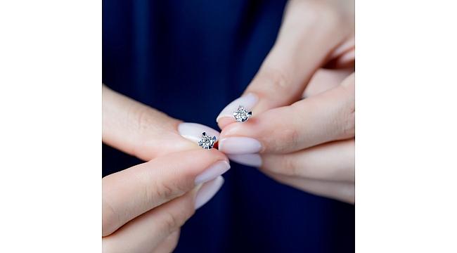 Her Tarza Uyum Sağlayan Blue Diamond Kolye ve küpeleri!
