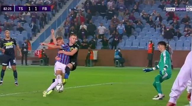 Trabzonspor Fenerbahçe maçında VAR incelemesi sonrası penaltı kararı!